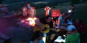 Hütte u10 2014 - Gitarre Spielen