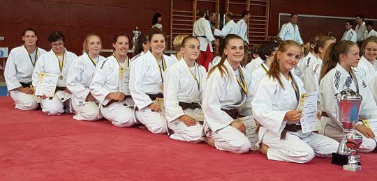 Nürtinger Judofrauen holen den Meisterpokal