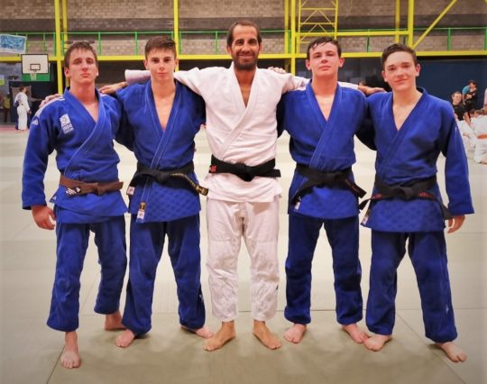 Internationales Trainingscamp in Belgien